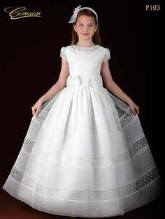 First Communion dress for girl Cemaros 2013 from Spain Lovely Dresses, Little Girl Dresses, Girls Dresses, Flower Girl Dresses, Baptism Dress, Christening Gowns, Moda Formal, Holy Communion Dresses, Maid Dress