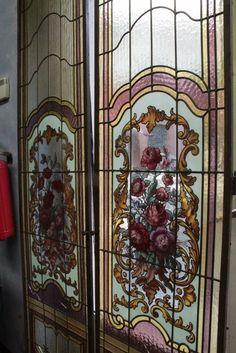 2 antiche finestre cattedrali d 39 epoca con fiori epoca - Finestre d epoca ...