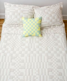 Home Interior Decoration Get Ready to See This Classic Pattern Everywhere - Sight Unseen.Home Interior Decoration Get Ready to See This Classic Pattern Everywhere - Sight Unseen Home Interior, Interior Design, Small Room Bedroom, Bedroom Ideas, Bed Room, Master Bedroom, Textiles, Home Decor Trends, Pillows
