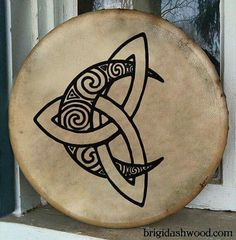 Or I need a new Bodhran? Celtic Moon Bodhran Drum Hand painted by BrightArrow on Etsy Love this design as a tattoo Symbol Tattoos, Body Art Tattoos, Portrait Tattoos, Tatoos, Tattoos Skull, Sleeve Tattoos, Celtic Symbols, Celtic Art, Celtic Knots