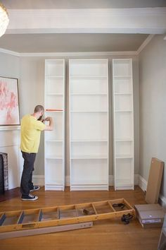 So wird dein Ikea Billy Regal eine Vintage Bibliothek New Swedish Design, Armoire Ikea, Ikea Bookcase, Bookshelf Ideas, Ikea Shelves, Built Ins, Home Organization, Home Projects, Diy Furniture