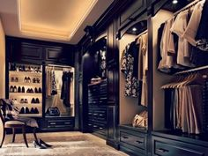 11 Walk-In Closets that You Will Never Want to Leave