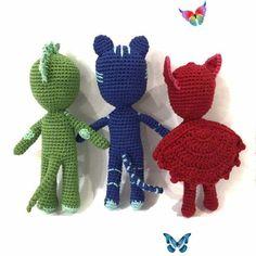 Crochet cartoon hero PJ Masks Gekko.  <br> Crochet Toys, Free Crochet, Dark Chocolate Cupcakes, Crochet Monsters, Crochet Dragon, Pj Mask, Stuffed Toys Patterns, Neymar, New Trends