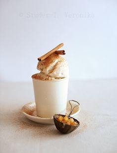 Mascarpone Cinnamon Ice Cream with vanilla caramel apples