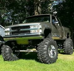 Chevy on 44 inch boggers