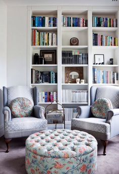 Pretty Bookshelves Design Ideas For Your Family Room - Has your family outgrown the space in your home? Are you unhappy with your first-floor layout because you don't have a secluded family space? Small Living Room Furniture, Living Room Seating, Living Room Chairs, Living Room Decor, Living Area, Lounge Seating, Lounge Chairs, Dining Room, Bookshelf Design