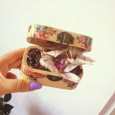 Instagram : Florifgf & Vintagefgf  Blog : https://florifgf.blogspot.ro/?m=1