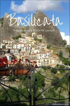 La Basilicata è una regione da scoprire e il percorso delle sette pietre sulle Dolomiti Lucane tra Pietrapertosa e Castelmezzano vi lascerà incantati.