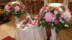 λαμπάδες γάμου με φρέσκα άνθη σε βάσεις από θαλασσόξυλαΣτολισμος Γαμου Διακοσμηση Γαμου Στολισμος Εκκλησιας .. .wedding decoration with driftwood