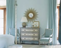 Sea Island bedroom by Suzanne Kasler.featured in House Beautiful magazine Beautiful Bedrooms, Beautiful Homes, House Beautiful, Beautiful Interiors, Turquoise Paint Colors, Wythe Blue, Modern Interior, Interior Design, Starburst Mirror