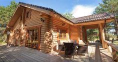 Projekty Domów drewnianych - sprawdź jakie są ich wady i zalety. W tym artykule opiszemy czy warto wybrać projekty domów drewnianych