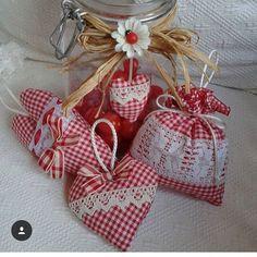 creative mammyBellissimi ❤️❤️❤️ di @raffaela_corona ❤️❤️❤️ #handmade#fattoamano#tutorial#fimo#crochet#mamme#sewing#sew#riciclo#riciclocreativo#creatività #craft#crafter#artigianato#diy#passoapasso#paper#mammecreative#creativemamy#recycle#knit#felt#pannolenci#denim#jeans#artesanato#sew