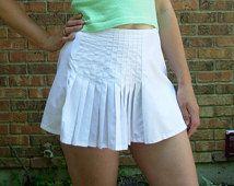 1990's FILA white tennis skirt with pleats, size medium m