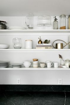 / open shelves styling tips
