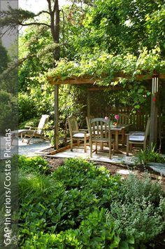 Amazing Nat rlicher Garten mit berdachter Sitzecke
