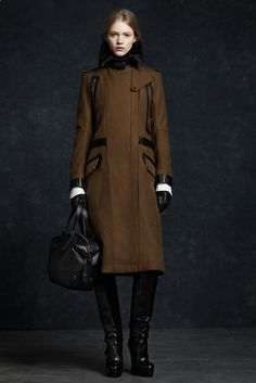 Belstaff Fall 2012 Ready-to-Wear Fashion Show - Hanna Wahmer