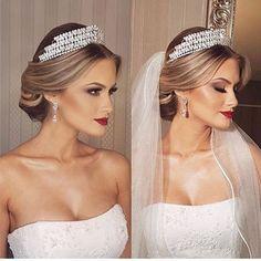 Tão linda, tão princesa!  Noivinha linda via ✨ @casamentosetc ✨ Sigam e inspirem-se muito! ❤ ⠀ (Se a foto/produção for sua, nos avise que daremos os devidos créditos) ⠀