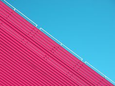 Skymetric by Lino Russo Russo's urban photography captures geometric shapes from architecture and bold color contrasts against a blue sky. Minimal Photography, Conceptual Photography, Urban Photography, Still Life Photography, Abstract Photography, Architectural Photography, Building Photography, Photography Projects, Urbane Fotografie
