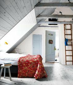 zolderkamer - attic bedroom