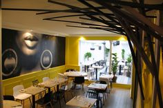 Restaurant Dix-Huit 18, rue Bayen Paris. Belgische prijzen. TÉL : +33 1 53 81 79 77 Métro : Ternes www.dix-huit.fr