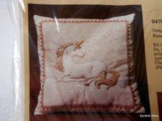 Vintage Creative Circle Tapestry Unicorn Hand Embroidery Trapunto Kit  0478 NIP