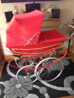 . Pram Stroller, Baby Strollers, Vintage Pram, Prams And Pushchairs, Dolls Prams, Vintage Nursery, Bobs, Nostalgia, Children