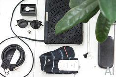Verleihe deinem Outfit den letzten Schliff mit schwarzen Accessoires. Belt: Buckles & Belts; Socke: Stance; Kimono