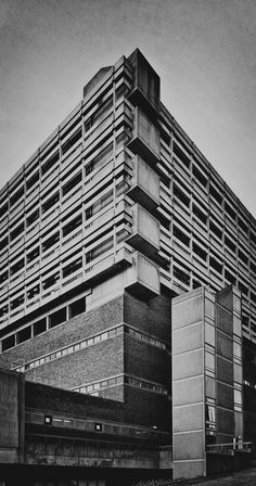 keppie henderson and partners - western infirmary, glasgow, 1974