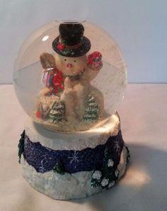 Christmas Snow Globe Snowmen Musical Frosty Winter Holiday Music Box