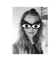 Magdalena Frackowiak en pleine séance de shopping http://www.vogue.fr/mode/mannequins/diaporama/la-semaine-des-tops-sur-instagram-janvier-2016/24925#magdalena-frackowiak-en-pleine-sance-de-shopping