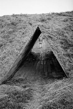 Thesis subject - way back. L O V E // Robert Morris Observatory - Flevoland, Netherlands Robert Morris, Sculpture, Action Painting, Environmental Art, Minimalist Art, Urban Art, Installation Art, Landscape Architecture, Netherlands