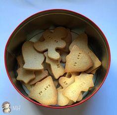 Estas Galletas de Mantequilla y Canela están hechas con ayuda de la panificadora de Lidl. Lo de Galletas Cómeme es algo a lo que no he podido resistirme: mi hija se llama Alicia porque me encantaba (y me sigue encantando, más aun después de Tim Burton) el cuento de Alicia en el País de las Maravillas, así que cuando vi las letras para galletas tuve que demostr ... Sweet Desserts, Sweet Recipes, Cookies Receta, Bread Recipes, Snack Recipes, Christmas Morning, Cooking Time, Cupcake Cakes, Cupcakes