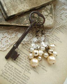 CHAMPAGNE BUBBLES - Pearl Cluster Earrings. Shabby Vintage Bohemian Glass Champagne Pearl Earrings. Rustic Wedding. Eco Friendly Jewelry.