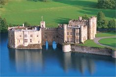 Leeds Castle - The most beautiful castle in the world