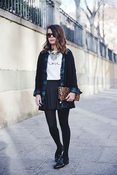Leopard_Clutch-Clare_Vivier-Mixing_Prints-Outfit-Street_Style-30 by collagevintageblog, via Flickr