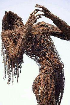 Foto: Recycled art sculpture by Dan Das Mann and Karen Cusolito Instalation Art, Sculpture Metal, Art Sculptures, Abstract Sculpture, Sculpture Ideas, Rustic Sculptures, Alberto Giacometti, Scrap Metal Art, Wow Art
