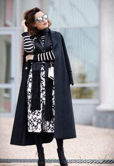 mixing prints and patterns, skinny scarves outfits, how to mix prints, playful outfit ideas,