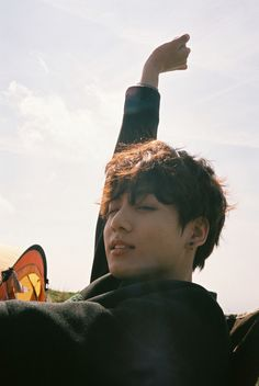Image uploaded by cherri. Find images and videos about kpop, bts and jungkook on We Heart It - the app to get lost in what you love. Jungkook Oppa, Foto Jungkook, Foto Bts, Bts Bangtan Boy, Bts Hyyh, Jung Kook, Bts Boyfriend, Photo Facebook, Taehyung