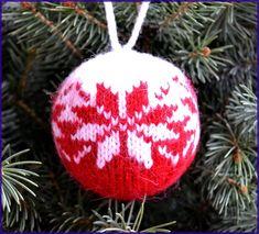Diy Christmas Balls, Knit Christmas Ornaments, Beaded Ornaments, Christmas Toys, Christmas Knitting, Christmas Ideas, Crochet Toys Patterns, Stuffed Toys Patterns, Knitting Patterns