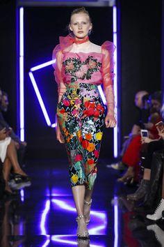 https://nowfashion.com/emanuel-ungaro-ready-to-wear-spring-summer-2018-paris-23027