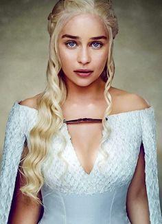 So sehen die Charaktere des Game of Thrones in . - Game Of Thrones Dessin Game Of Thrones, Arte Game Of Thrones, Game Of Thrones Costumes, Game Of Thrones Dragons, Game Thrones, Emilia Clarke Hot, Emelia Clarke, Emilia Clarke Daenerys Targaryen, Game Of Throne Daenerys
