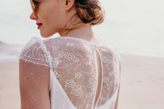 Robe LIBELLULE  #mariage #mariée #robe #Robedemariée #weddingdress #wedding #bride #bridetobe #lace #dentelle #plage #faitmain #artisanat #madeinfrance