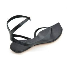 Heli sandal by Cydwo