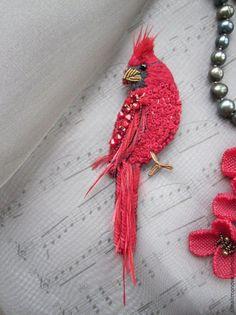 Купить Брошь Кардинал - ярко-красный, алый, брошь-птица, кардинал, красная птица
