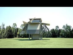 Prefab buildings by Ten Fold Engineering build themselves in eight minutes Prefab Buildings, Prefabricated Houses, Prefab Homes, Folding House, Dream Jar, Bungalow Extensions, Design Innovation, Modular Structure, Steel House
