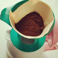 Só faltam duas etapas: 1- Colocar água quente. 2- Apreciar seu #Melitta! =) #meumelitta #coffeetime #coado #passadonahora