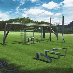 Summer Essentials ☀️ ¿Te gusta entrenar al aire libre? by Wellness Group Crossfit Equipment, Outdoor Fitness Equipment, No Equipment Workout, Urban Furniture, Street Furniture, Outdoor Workouts, Gym Workouts, Fitness En Plein Air, Properties Of Concrete