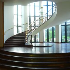 Metal Worker - German Metal Worker's Union Headquaters by Erich Mendelsohn Art Deco, Art Nouveau, Stairs Architecture, Interior Architecture, Erich Mendelsohn, Workers Union, Stone Stairs, Stair Detail, Interior Stairs