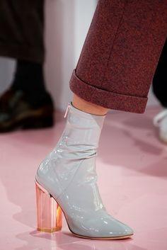 Du Chaussures Tableau Les Talons Images Pinterest Meilleures 81 Sur xARBvF