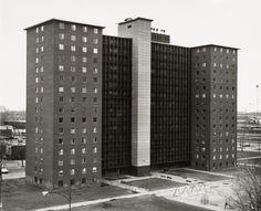Thomas Struth. South Lake Apartments 1, Chicago. 1990